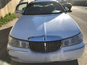 Classical White Lincoln Town Car for sale, only 190 000 km