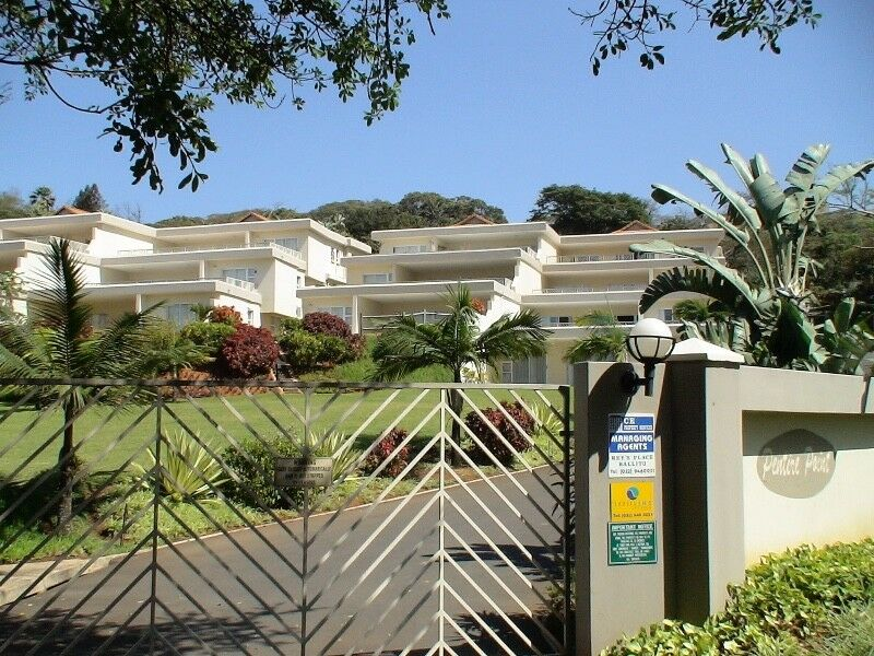 4 Bedroom 8 sleeper penthouse Chaka's Rock / Ballito