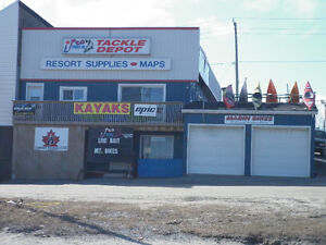High Visibility Multi Unit Commercial Building with Parking