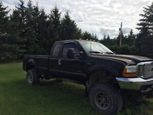 2000 Ford Ford F-250 XLT Pickup Truck