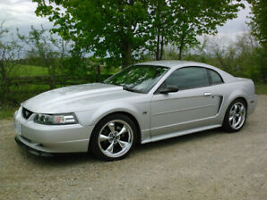 2000 Ford Mustang GT muscle car with lots of mods