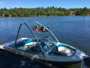 Starcraft 171 SS Bowrider, wakeboarding, waterski boat, runabout