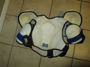 2 hockey chest/shoulder protector, youth size S and M, $ 15ea Kitchener / Waterloo Kitchener Area image 2