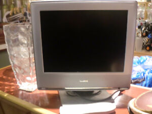 Toshiba - 15 inch TV flat screen with remote, good condition