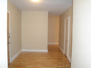 3 1/2 apartment for rent on Monkland