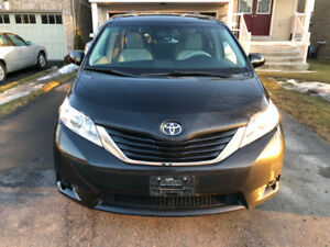 TOYOTA  SIENNA,2012,HEATED SEATS,BLUE TOOTH,B,Camera,Clean Car P