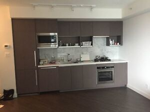 $2000 Vancouver Downtown 1 plus Den moving in now!