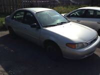 1999 Ford Escort LX Berline