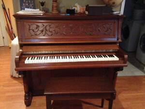 piano antique RS Williams