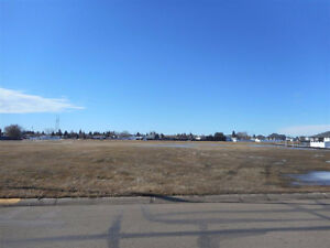 Oversized lot in FAMILY neighbor hood ... Vegreville