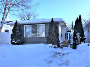THREE Bedroom, TWO Bath Home with fenced yard in Portage