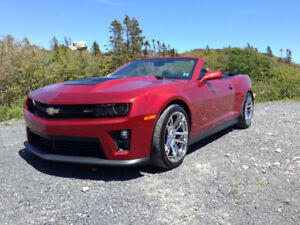 2014 CHEVORLET CAMARO ZL1...ONE OWNER.. SUPERCHARGED CONVERTABLE