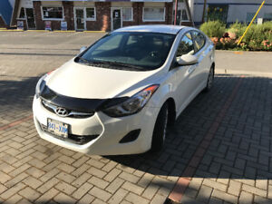 2013 Hyundai Elantra GL Low KMs Carproof NO Accidents A/C