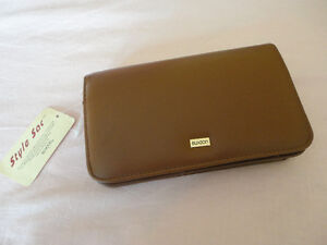 Vintage Buxton brown leather wallet clutch keychain cheque book