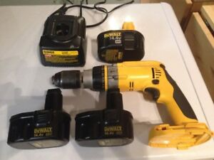 DEWALT DRILL 14.4V XRP used in home $70.00 lightly used