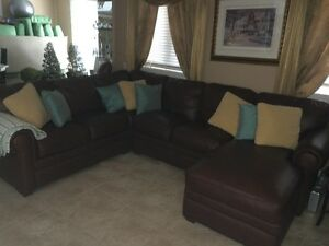 SECTIONAL LEATHER FULL SIZE SOFA