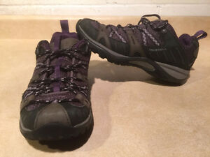Women's Merrell Continuum Hiking Shoes Size 7 London Ontario image 1