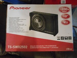 Pioneer  car sub woofer and amp