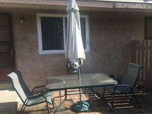 Patio Set w/ Umbrella & 6 Chairs