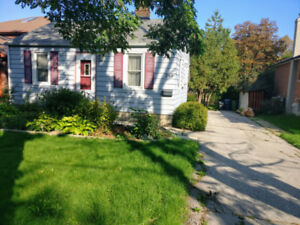 Detached house in Scarborough for Rent $2100