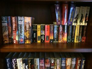 Robert Jordan, Tom Clancy, Wilbur Smith, etc