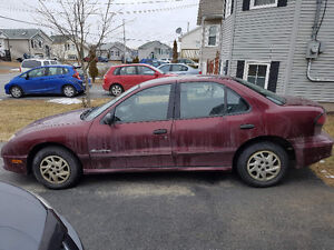 For Parts: 2004 Pontiac Sunfire