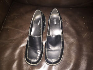 Women's Dress Shoes Windsor Region Ontario image 1