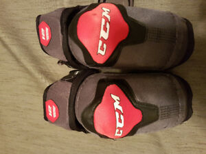 CCM Jr large elbow pads
