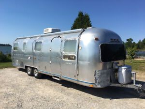 1977 Airstream 28' International