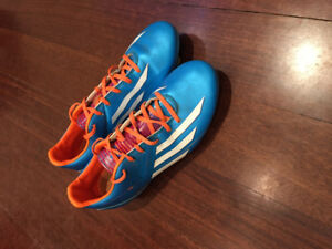 Addidas Soccer shoes size 7