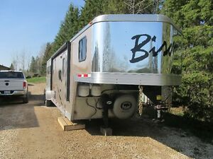 2013 Bison Stratus Express 3 horse with  living quarters