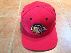 Mens Reebok Chicago Blackhawks Red Faceoff Baseball Hat