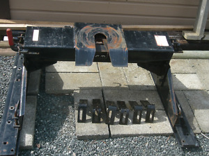 DPS 5th Wheel Trailer Hitch