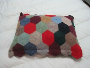 Beau coussin artisanal