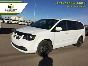 2016 Dodge Grand Caravan R/T   Locally owned, Dual DVD, Nav, Blu