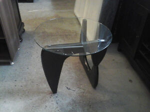 End Table Brand new