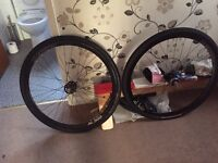Pair of fixed/free 700 wheels