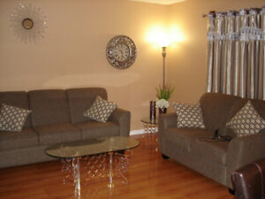 Beautiful 3+1 bedroom townhouse for rent in Stoney Creek