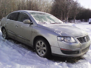 2006 Volkswagen Passat Sedan 2.0 turbo gas with leather.