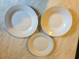 4 Large Plates, 4 Small Plates, 4 Bowls
