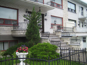 4 1/2 Upper unit in LaSalle,close to waterfront, bus/Metro;Clean