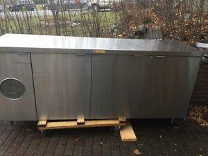 Beautiful 3 door bar fridge and mint condition