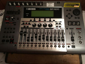 BOSS BR-1600 CD   16 channel digital home studio