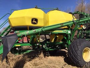 John Deere 1910 and 1820 Drill For Sale