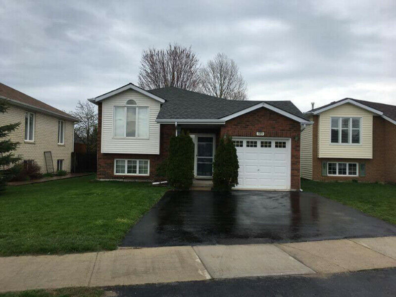 Collingwood 2 bed Apt - Main floor - Aug 1 - All inclusive ...