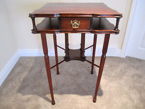 Vintage Mahogany Square table with one drawer