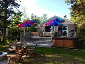Lake Superior - Sunnyside Beach Home for Rent