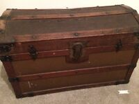 Vintage wooden chest / trunk