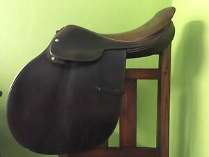 "17"" close contact saddle for sale"