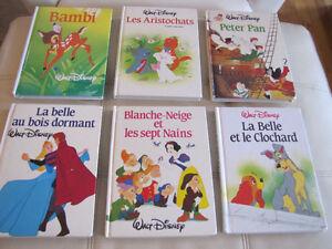 16 magnifiques livres de Disney d'environ 120 pages chacun